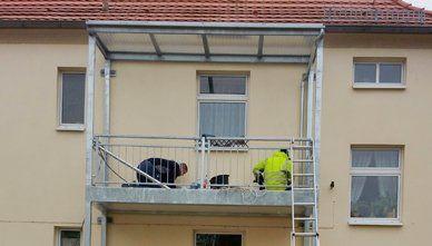 Bau eines Balkons aus Edelstahl